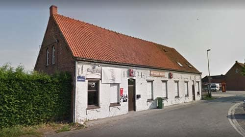 Café De Halve Maan in Waregem